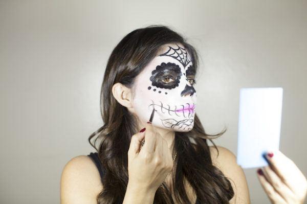 maquillaje-catrina-detalles-en-el-rostro-2