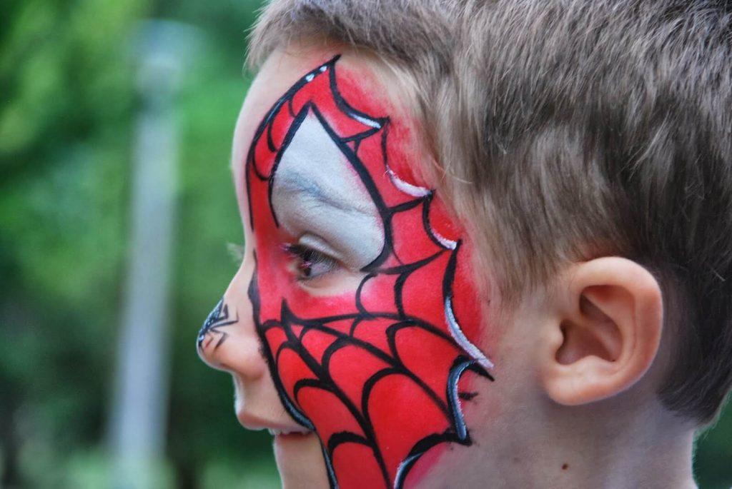 maquillaje de Spiderman niño